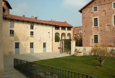Castello Buronzo giardino interno