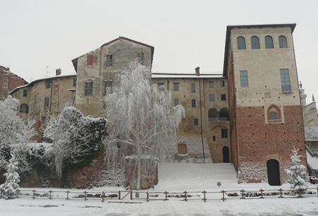 Castello di Buronzo innevato