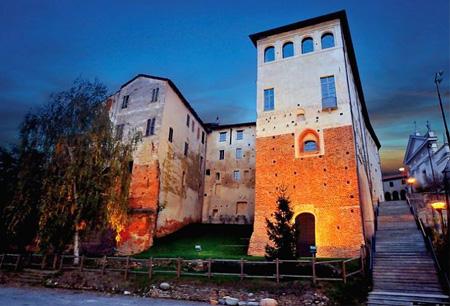 castello buronzo sera